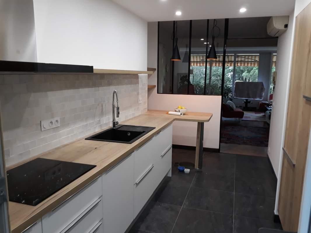Renovation D Appartement Avec Cuisine Verriere Semi Ouvert Sur Le